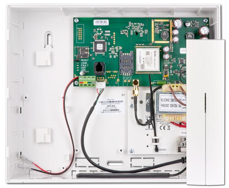 Ústředna s GSM/GPRS komunikátorem a rádiovým modulem